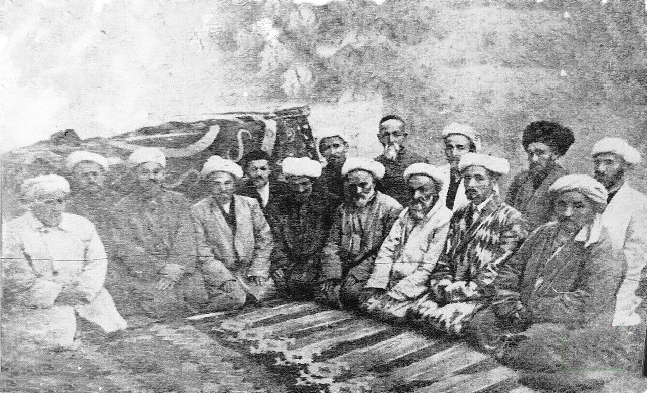 В медресе перед отъездом в Мекку. начало ХХ в.