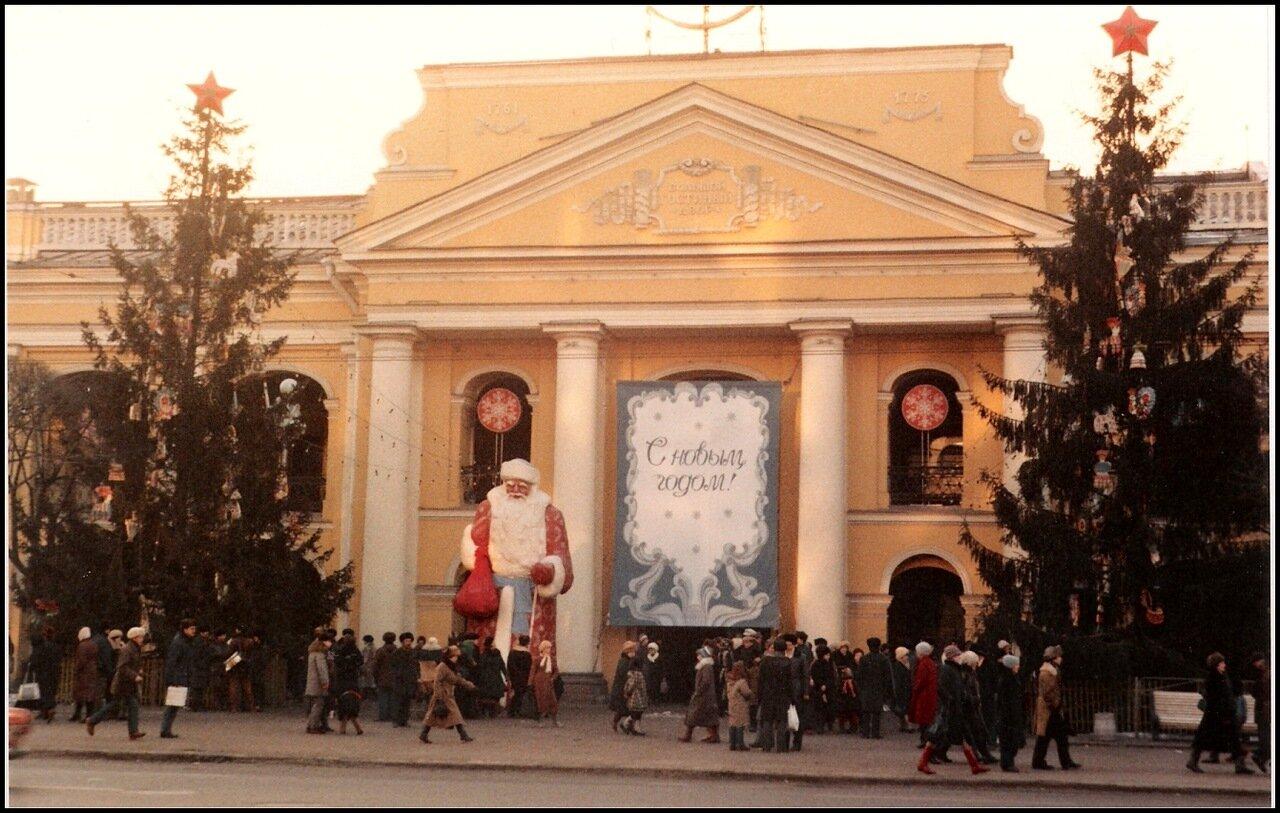 Новогодний базар на Невском проспекте