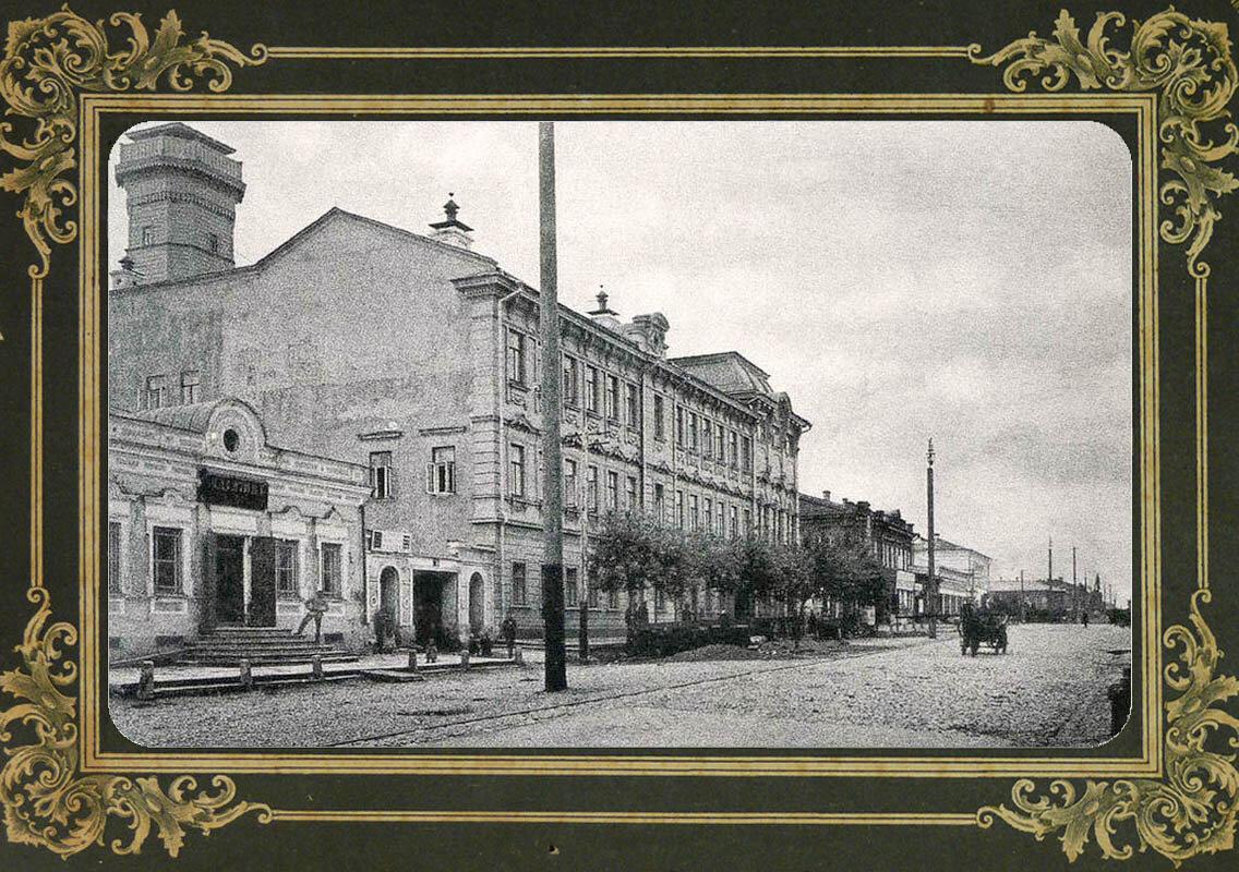 25. Городская Дума и Дворянская улица