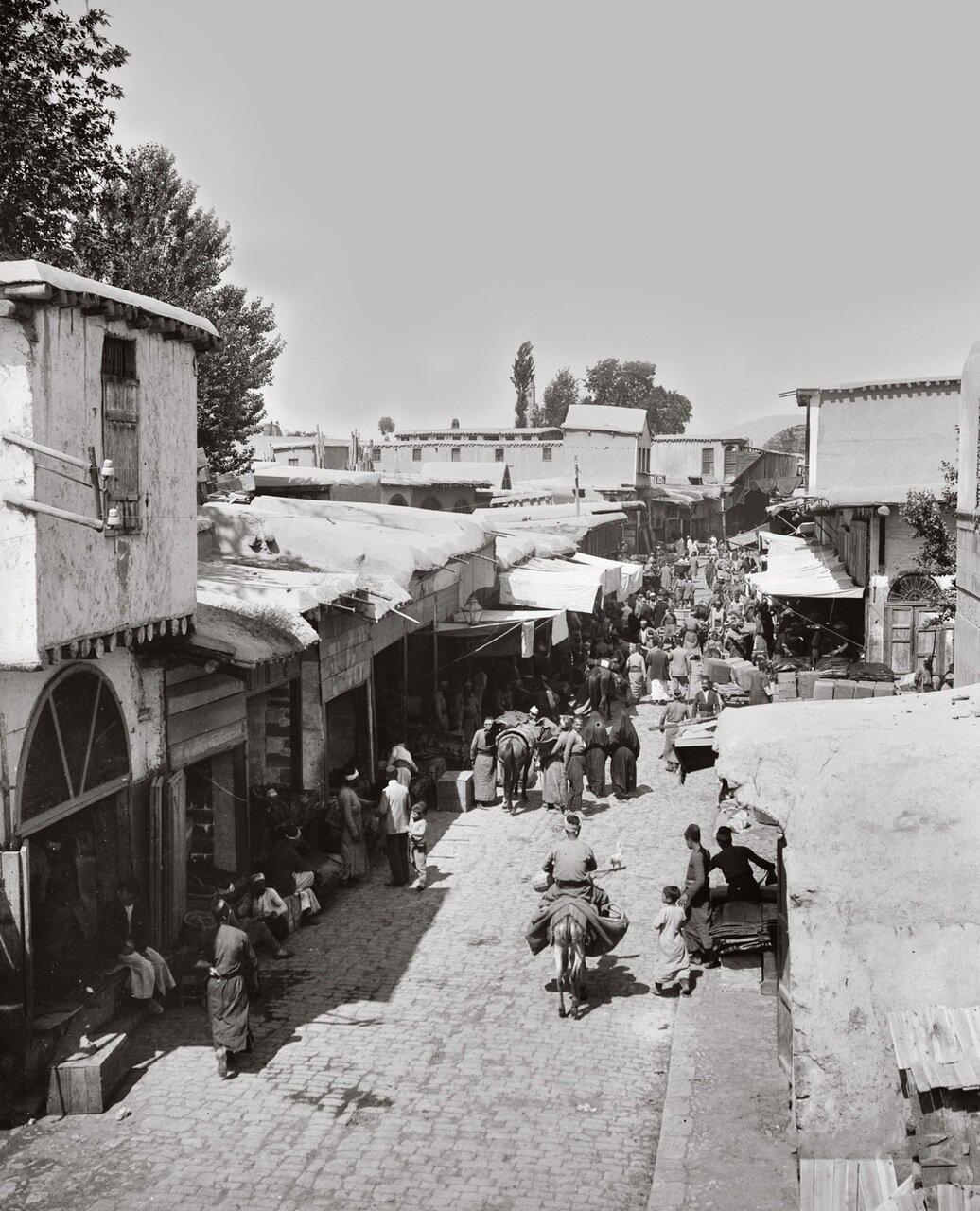 Уличная сцена в старом Дамаске. Сирия. 1900-1920 гг.