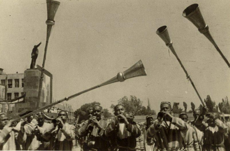 Первомай, Ташкент (Красная площадь) 1935 г.