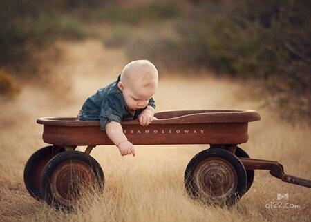 图片-趣味可爱的宝贝艺术写真照片欣赏(oi22.com)