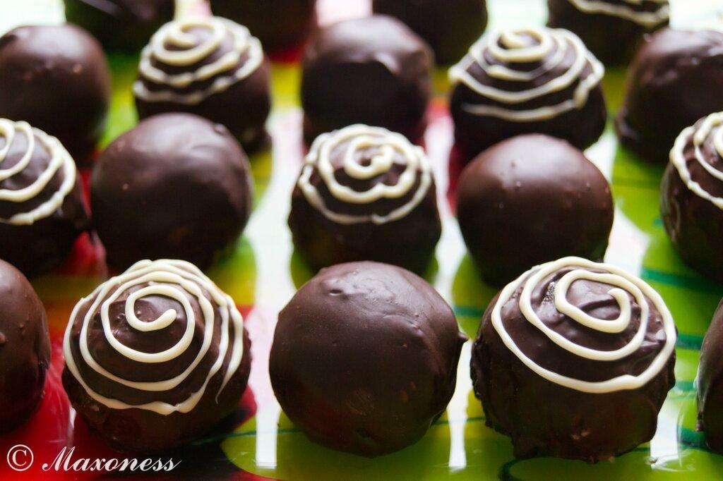 Бисквитные вишнёвые конфеты