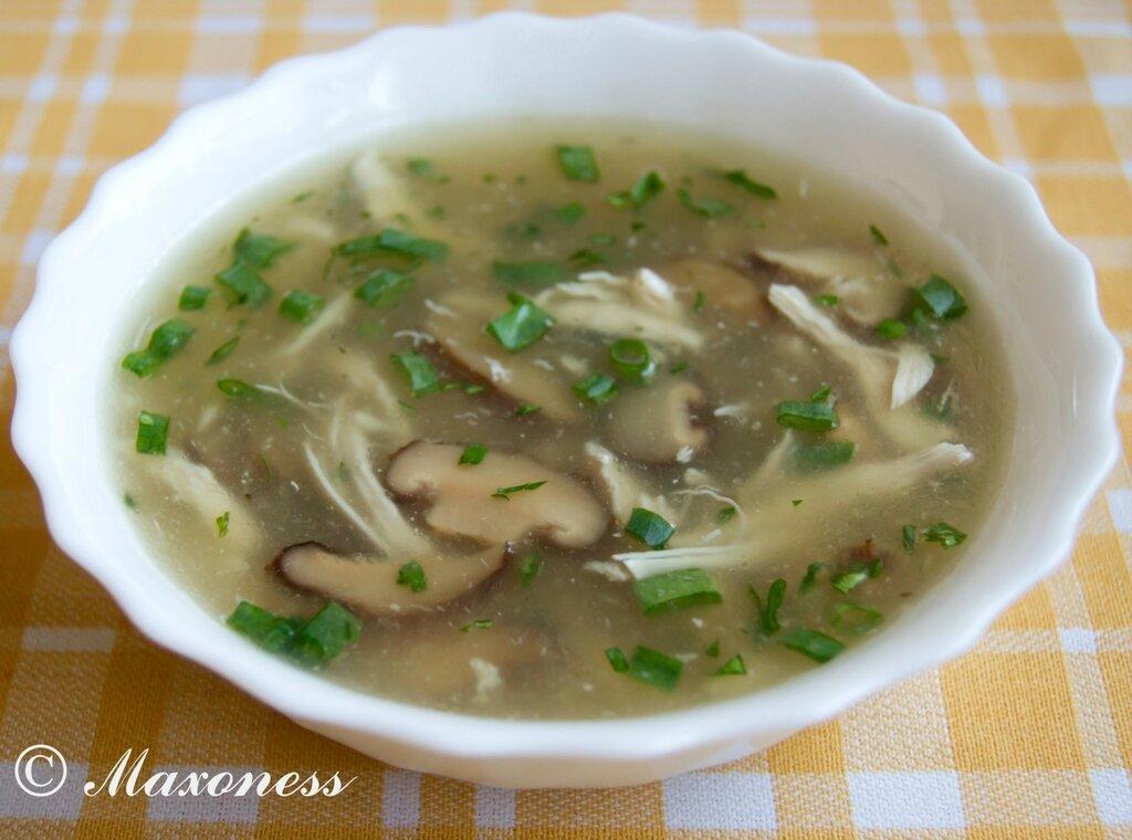 Куриный суп с грибами шиитаке. Вьетнамская кухня
