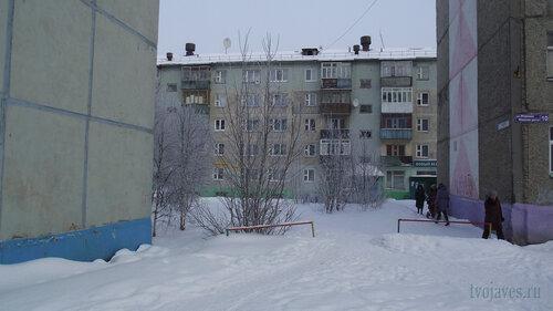Фото города Инта №3512  Мира 67, 65 и Морозова 10  10.02.2013_12:07