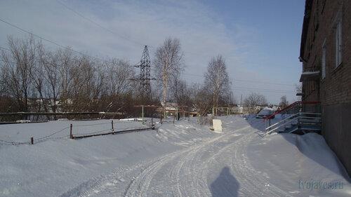 Фото города Инта №3744  Двор (северная сторона дома) Январской 21 19.02.2013_12:49