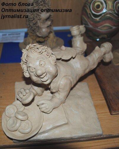 Пластилиновые скульптурки в юношеской библиотеке фото оптимизация оптимизма блогер jyrnalist