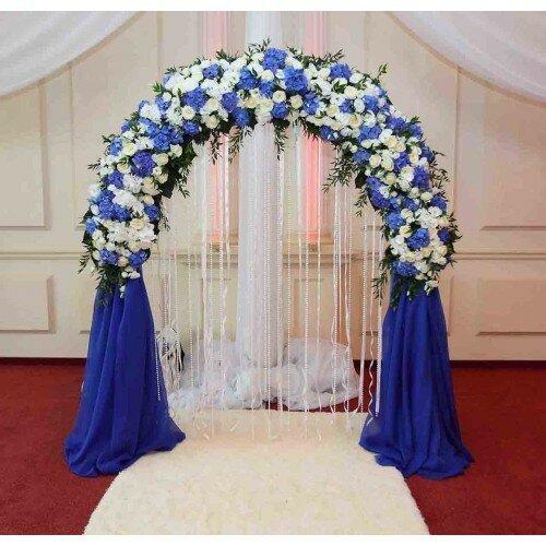Фото арка для выездной регистрации с синими цветами 64