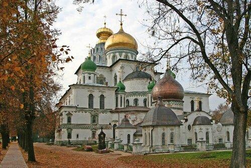 Ново-Иерусалимский монастырь. Фото с сайта http://hramy.ru