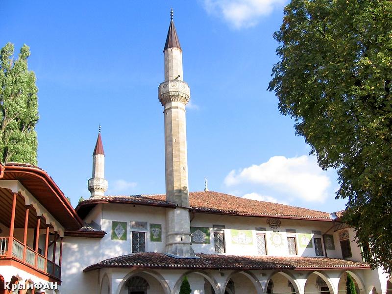 Бахчисарай, Ханский дворец, Чуфут-Кале, Свято-Успенский пещерный монастырь (Крым)