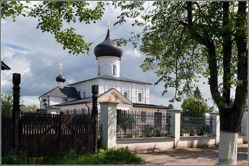 В южной части города церкви более древние