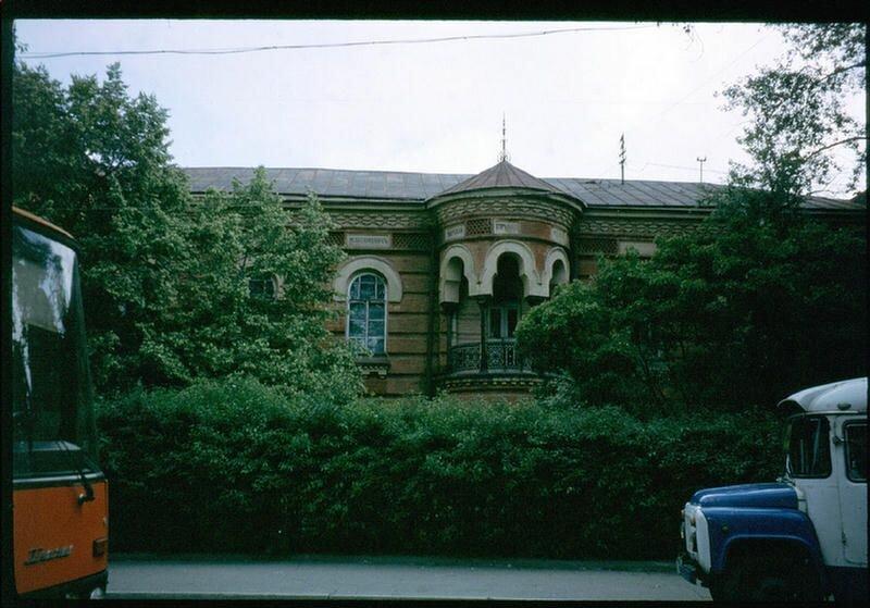 126. Здание Исторического музея на набережной Иркутска