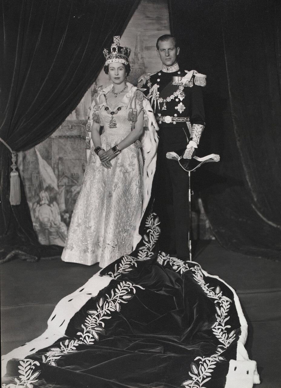 Королева Елизавета II и принц Филипп, Герцог Эдинбургский 2 июня 1953