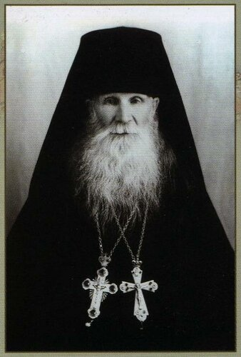 <a href='http://img-fotki.yandex.ru/get/4134/97867398.14/0_867b2_4daf69f8_orig.jpg'>Схиархимандрит Серафим (Борисов) (1906-1904), один из последних насельников Железноборовского монастыря.</a>