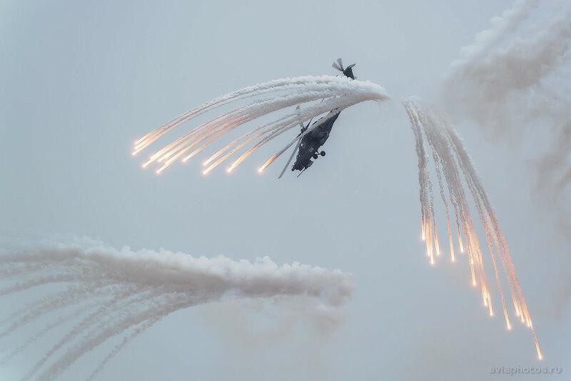 Миль Ми-28Н (RF-95320 / 08 белый) ВКС России 037_D803975