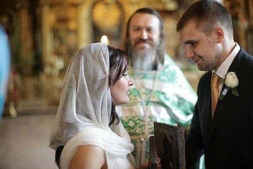 Отмечая 7-ие семейной жизни Баста поделился фото со свадьбы