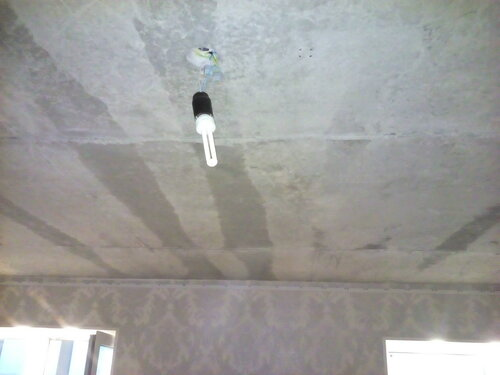 Вызов электрика аварийной службы из-за отсутствия света в коридоре квартиры в новостройке