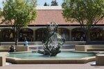 Ещё один фонтан в Стэнфорде