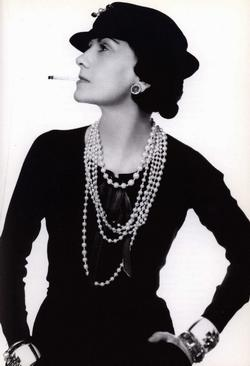 Audrey_Hepburn_dress_06.jpg