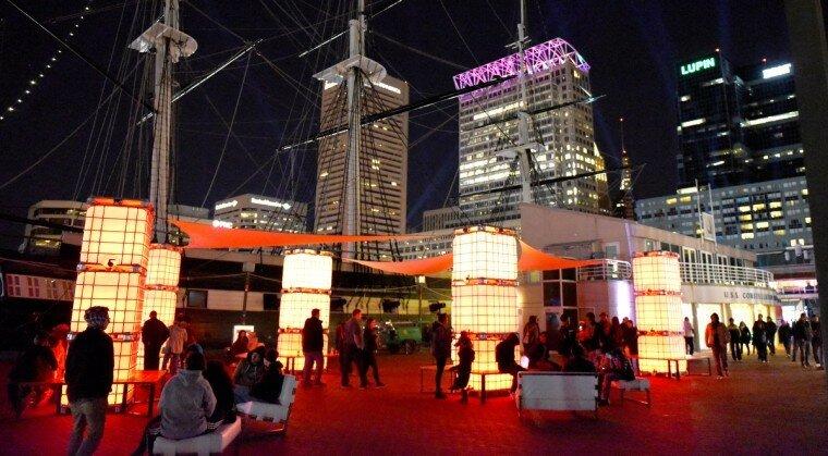 Light City: фотографии красочного фестиваля огней в Балтиморе 0 22c128 25a801b9 XL