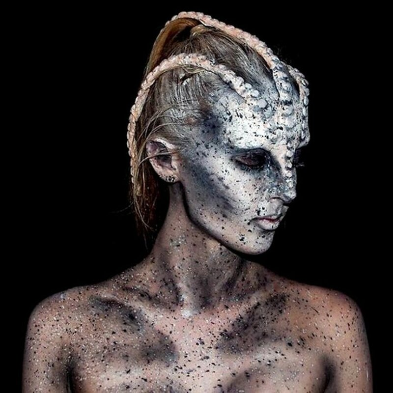 Как я выгляжу? Юная австралийка перевоплощается в монстров с помощью грима