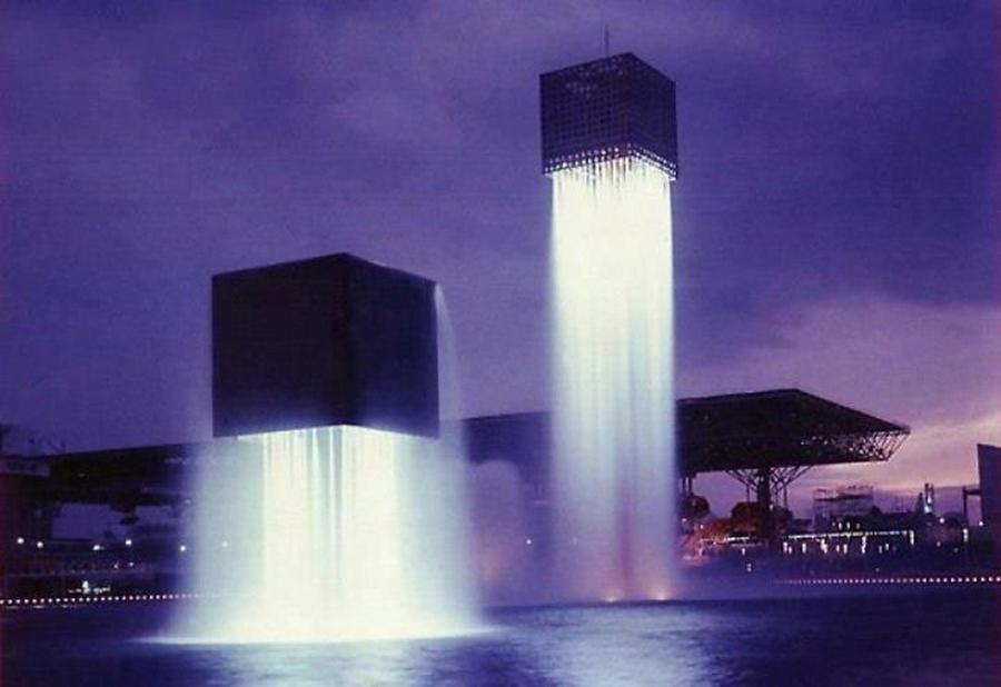 12. Парящие фонтаны, Япония Самые необычные фонтаны Воздушные конструкции, которые как будто бы паря