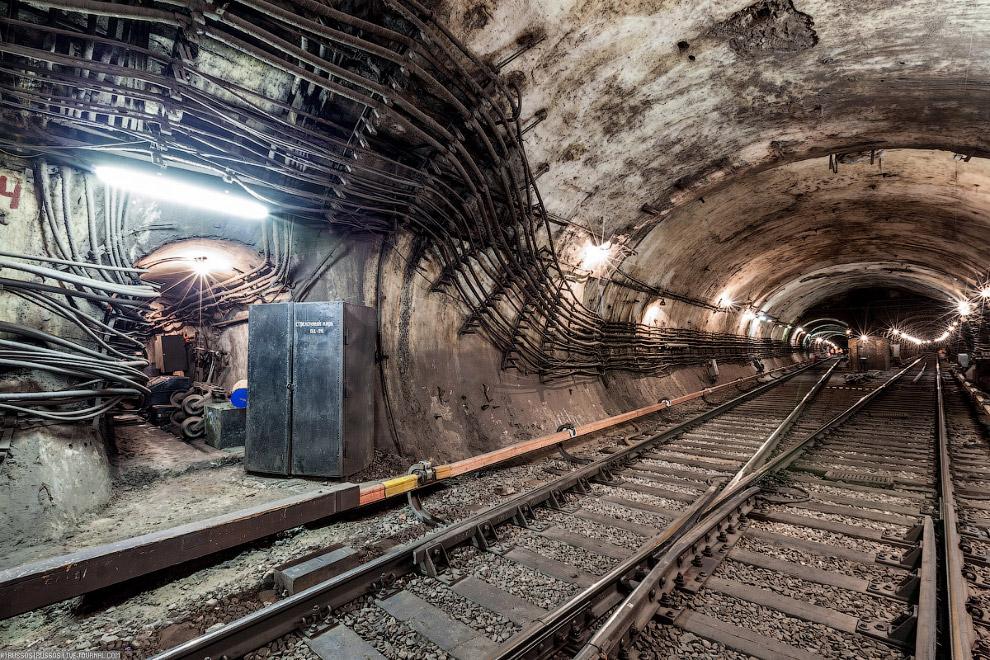 8. Продолжаем исследовать подземные тоннели метро в Москве.