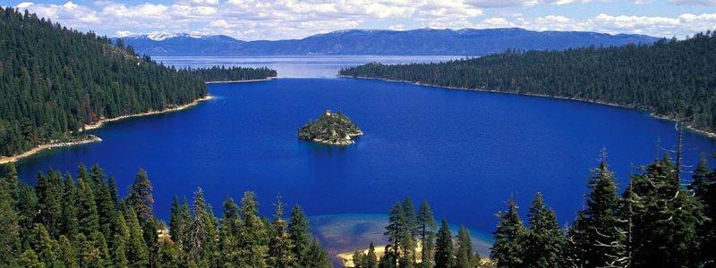 Синевир – горное озеро в Карпатах на высоте 989 метров над уровнем моря