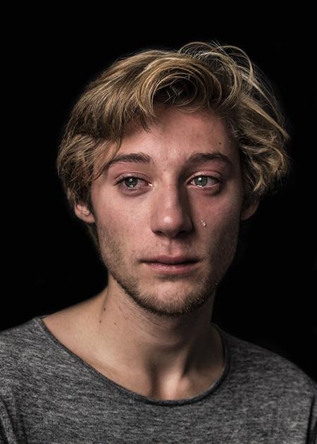 Мориц, 19 лет: «Слезы — это не проявление слабости, а принятие тех эмоций, которые ты испытываешь. Д
