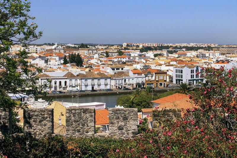 Самые красивые деревни и маленькие города Европы: Тавира, Португалия