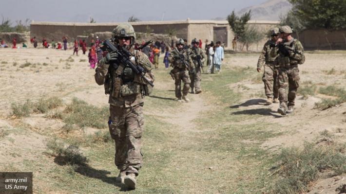 ВАфганистане смертник «Талибана» подорвал армейскую колонну американских военных. Десятки пострадавших