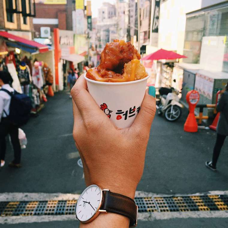Girl Eat World - Instagramer documents the street food from around the world