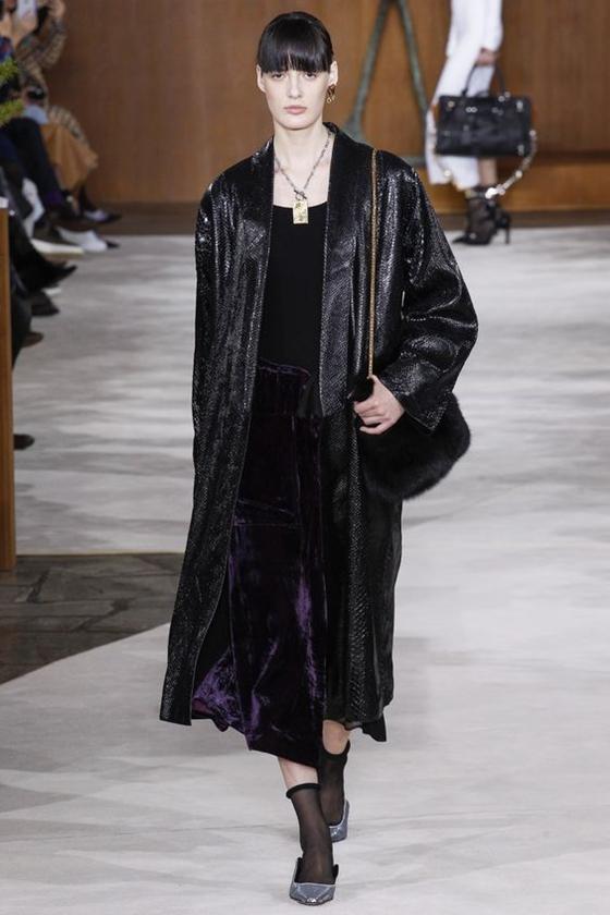 Loewe длинное черное кожаное пальто