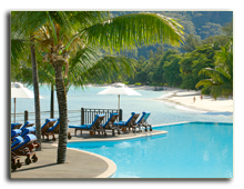 Сейшелы. О. Маэ. Le Meridien Fisherman's Cove. Beau Vallon Beach View from Infinity Pool