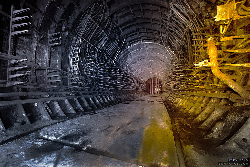 0_9c66a_b3e03e5e_XXL Три станции-призрака Киевского метро глазами диггеров