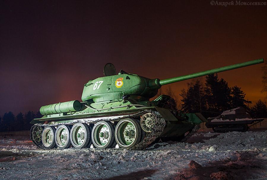 Т-34-85 ночь