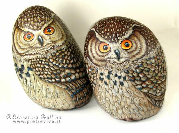 изображение сов на камне