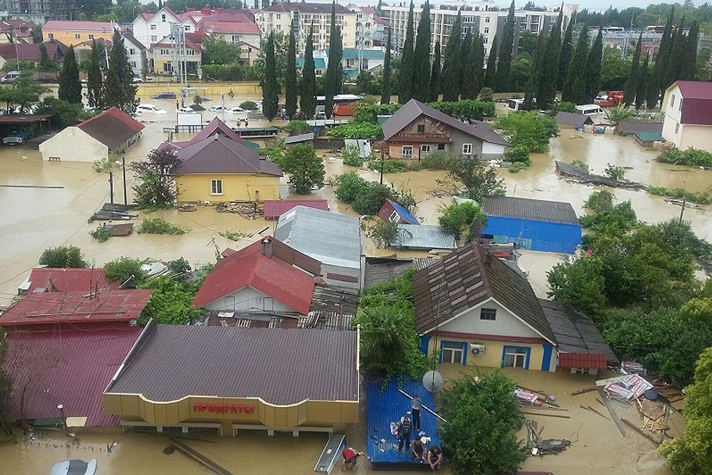 Фоторепортаж: 25 июня. Потоп в Сочи