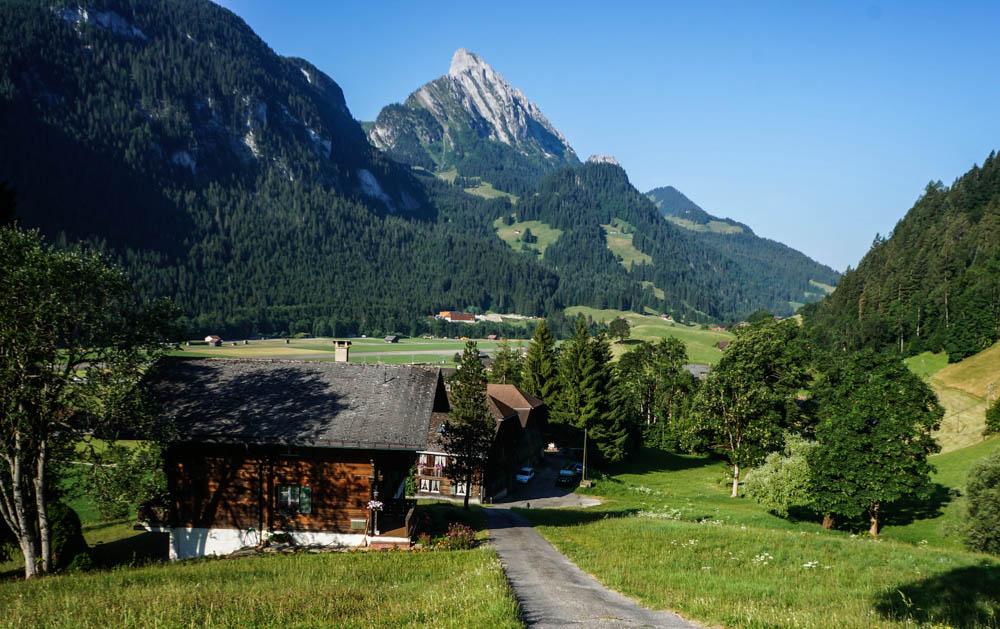 0 a6128 b7755a35 orig Гранд тур по Швейцарии. Красоты горного края...