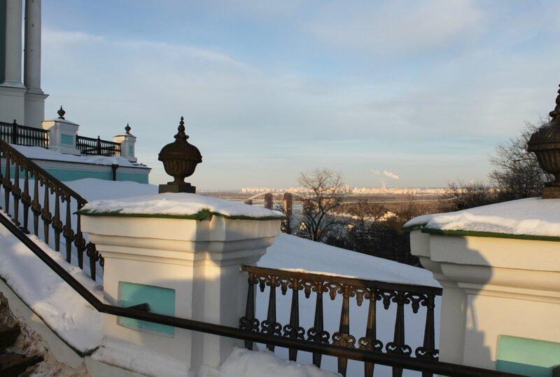Перила лестницы Андреевской церкви
