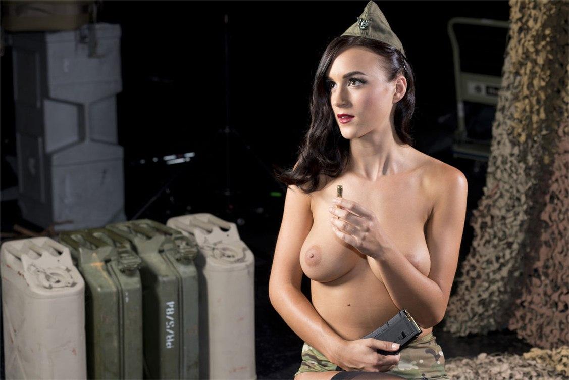 Голые военные красивые девушки, трахнул телку в лесочке фото