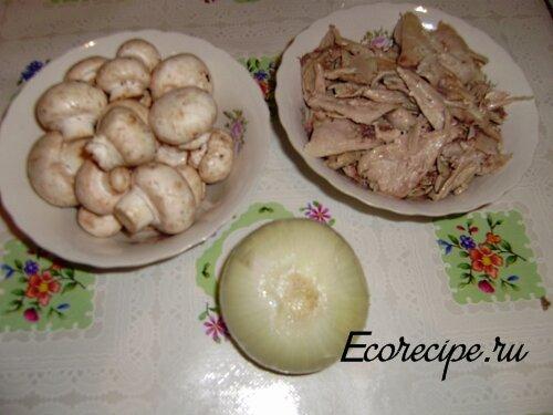 Ингредиенты для начинки блинов с курицей и грибами