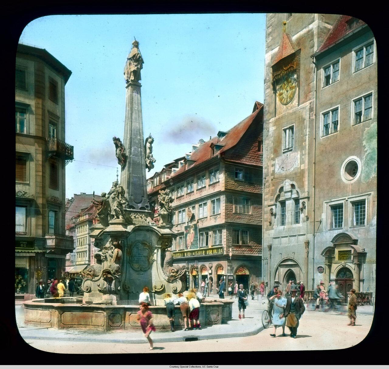 Вюрцбург. «Фонтан четырех труб» перед Ратушей