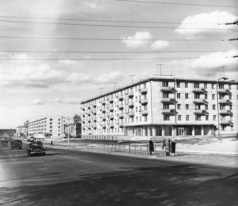 1962.10. Харьковское шоссе в районе Высоковольтного бульвара (сейчас бульвар Ярослава Гашека). Фото: Примаченко А.