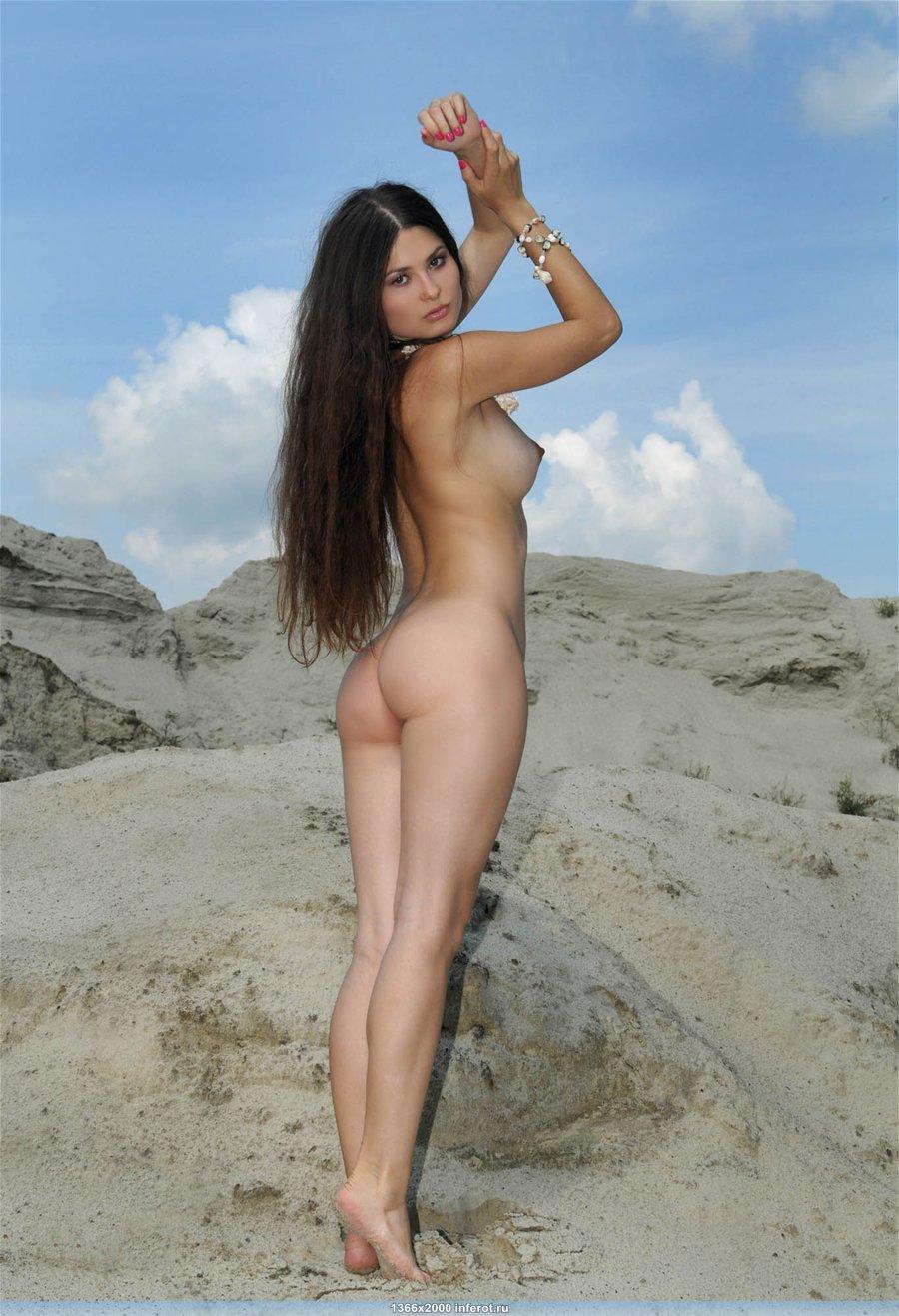 Лучшая эротика девушки с длинными волосами (20 фото)