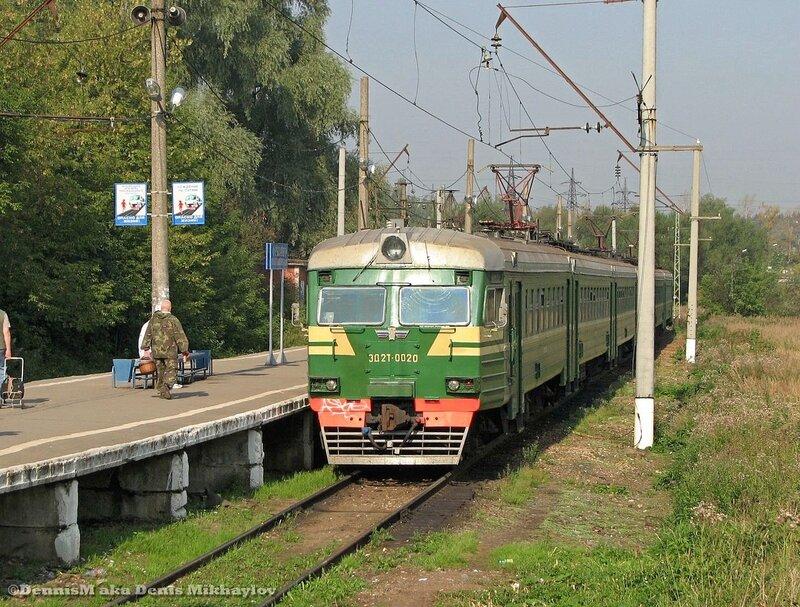 Электропоезд ЭД2Т-0020, станция Фрязино