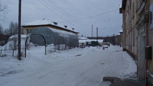 Фото города Инта №3258  Двор Полярной 13 03.02.2013_12:25
