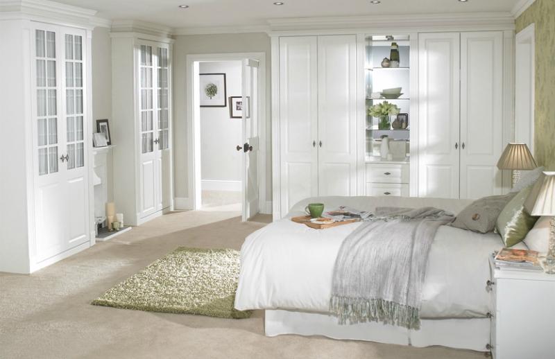 Белый цвет в интерьере спальни фото (16)