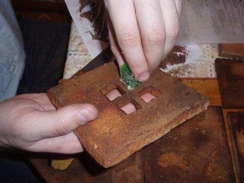 изготовление пряничного домика
