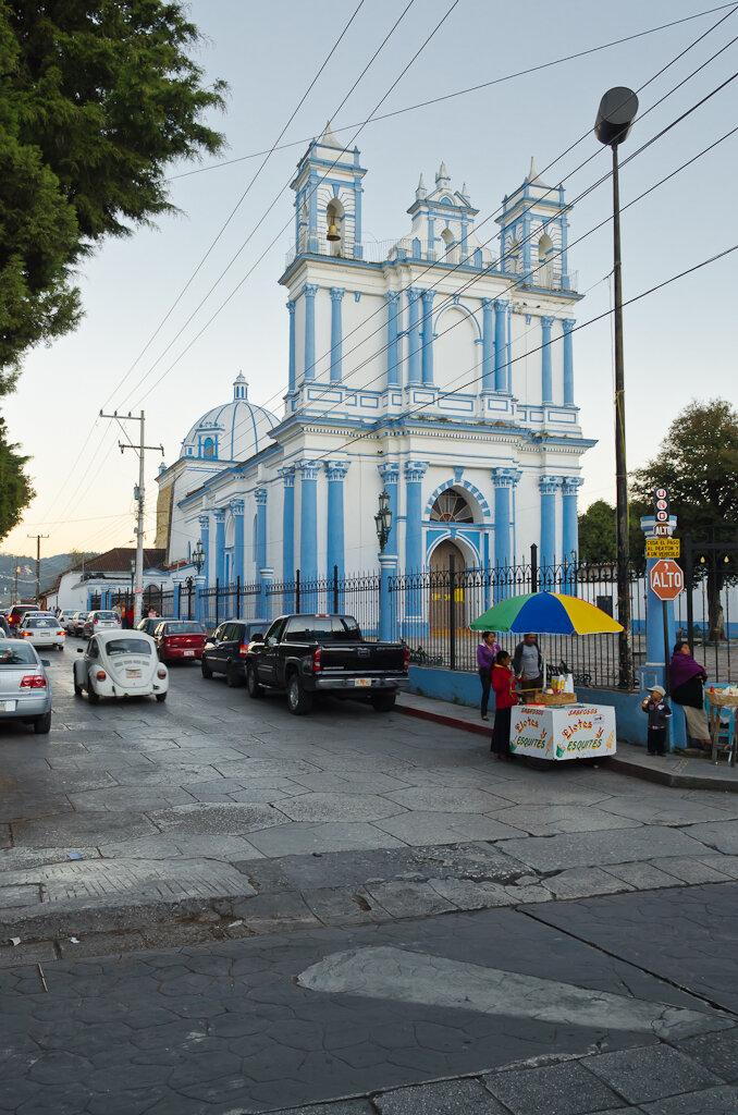 Церковь Iglesia Santa Lucia в городе Сан Кристобаль де Лас Касас. Мексика. Отчет о самостоятельном путешествии в ноябре 2012